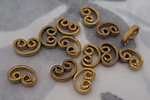 36 pcs. raw brass curlicue connectors 6x4x1.5mm - f2985