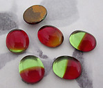 18 pcs. glass foiled cuba red and green flat back cabochons 10x8mm - f3550