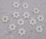 36 pcs. white plastic flower flat back cabochons 7mm - f3358