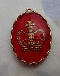 glass reverse painted intaglio kings royal crown pendant charm 18x13mm - d227