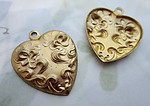 4 pcs. raw brass ornate Victorian style heart stamping pendant charms - d278