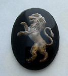 glass reverse painted intaglio rampant lion cabochon 18x13mm - d323