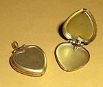 20 pcs. raw brass heart lockets w/ recess 15x15mm - f1436