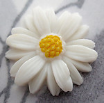 2 pcs. celluloid daisy flower cabochon 18mm -  f5524