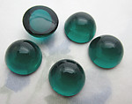 16 pcs. emerald green round bombe cabochons ss48 - f6394
