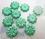30 pcs. green pearly plastic flower flat back cabochons 13mm - f6547