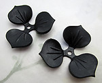 4 pcs. black rubber three petal flower or leaf rivet on findings or beads 30mm - f6572