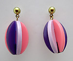 plastic 1960's stylish Twiggy on Carnaby Street mid century modern pierced drop earrings - j6515