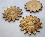 8 pcs. raw brass flower daisy stampings 19mm - r426
