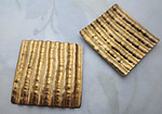 4 pcs. raw brass corrugated square stampings 29x29mm - r437