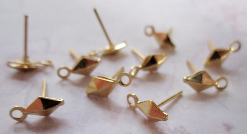 10 pcs. gold tone diamond kite pierced earring findings w loop 6x4mm - f2996