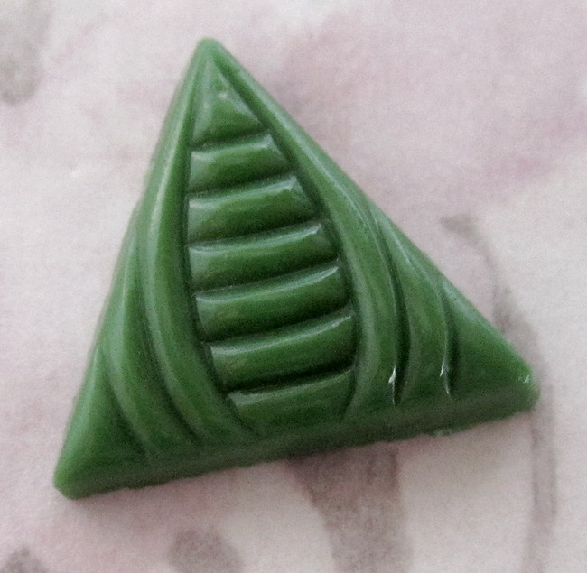 2 pcs. glass art deco green triangle cabochons 18mm - f2584