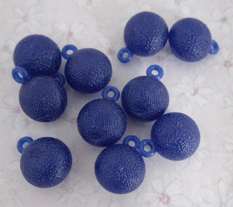 30 pcs. blue plastic citrus fruit charms 13x11mm - f3818