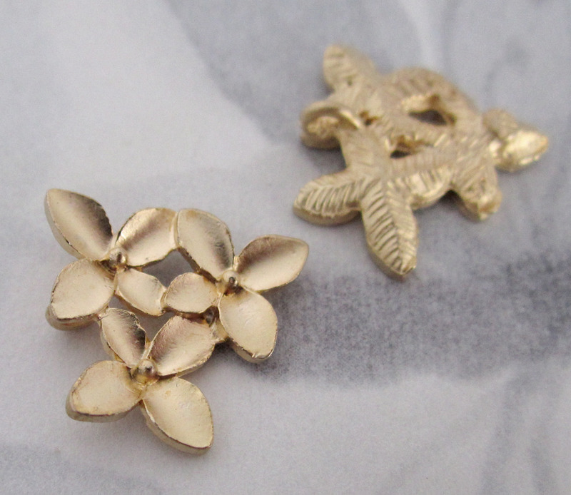 6 pcs. gold tone flower charms 16x15mm - f4048