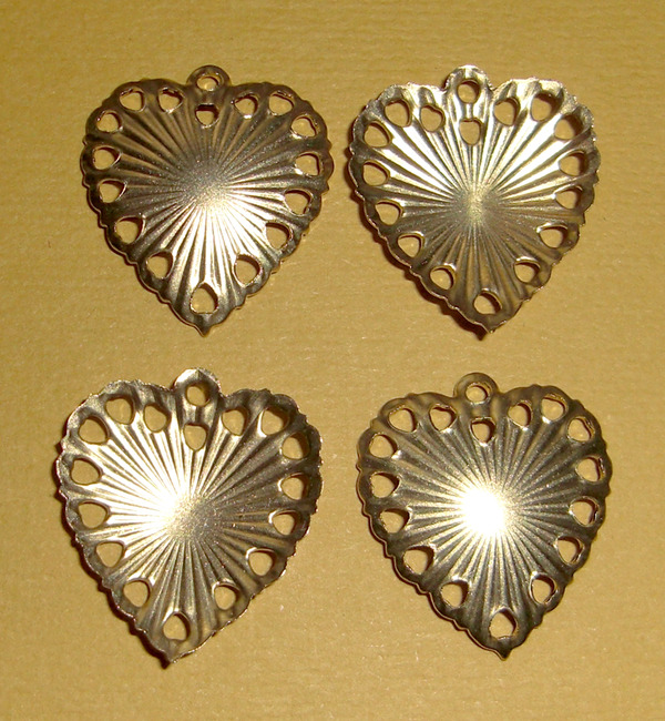 12 pcs. raw brass heart charms w/ starburst - f1369