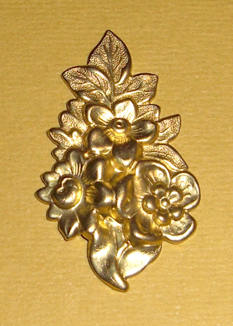 3 pcs. Raw brass floral stampings - f1373