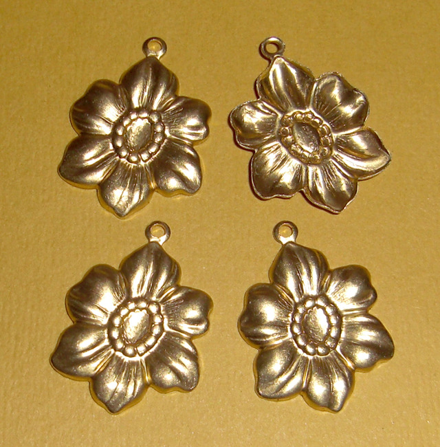 12 pcs. Raw  brass flower stamping charms - f1483