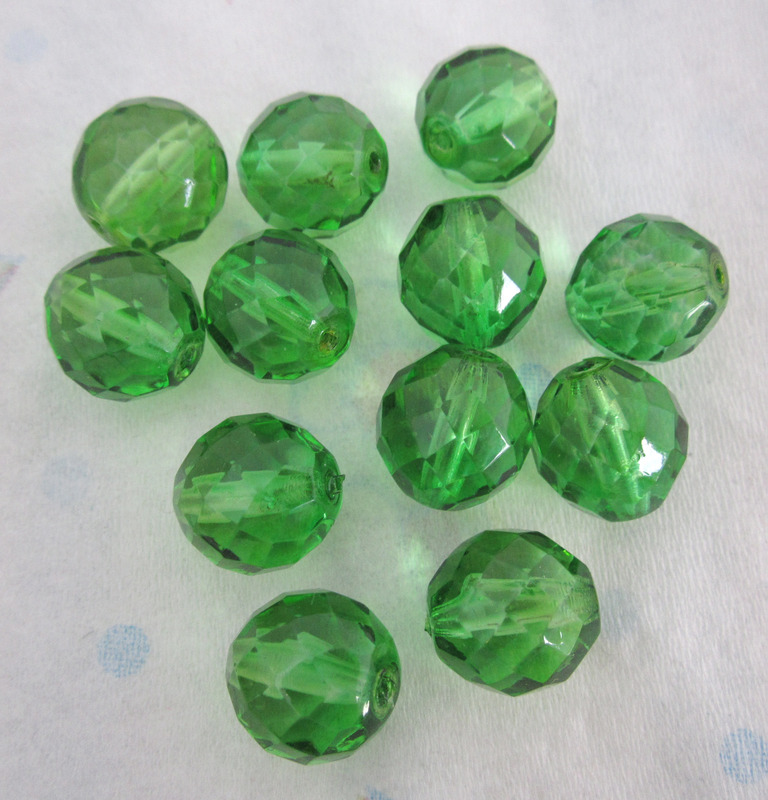 12 pcs. fire polished Czech glass faceted beads in peridot green 14mm - f4436