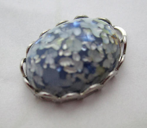 glass blue speckled cabochon in silver tone lace edge setting pendant charm 18x13mm - d245
