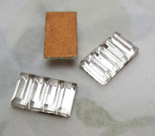 8 pcs. glass Art Deco ridged foiled clear rectangle flat back cabochons 10x6mm - d347