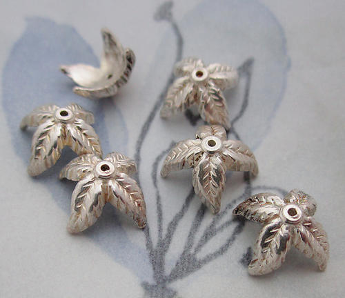 18 pcs. silver tone plated casted leaf bead caps 12mm - d35