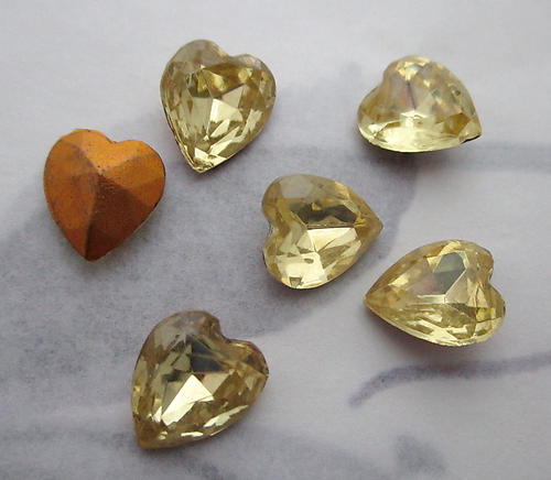 18 pcs. glass jonquil yellow fire polished foiled heart shaped rhinestones 9x8mm - f3689