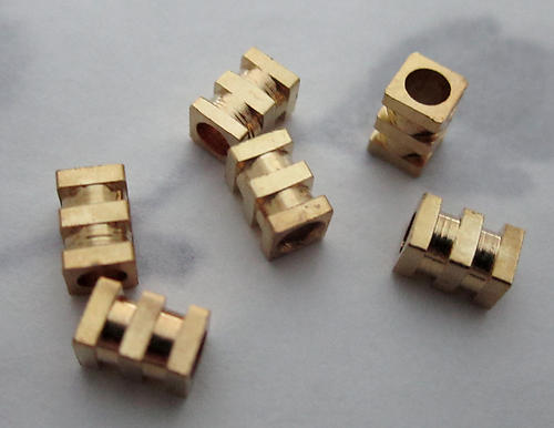 18 pcs. raw brass machine grooved rectangle beads 5x3mm - f3700