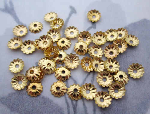 100 pcs. gold tone corrugated ridged bead caps 5mm - f4798