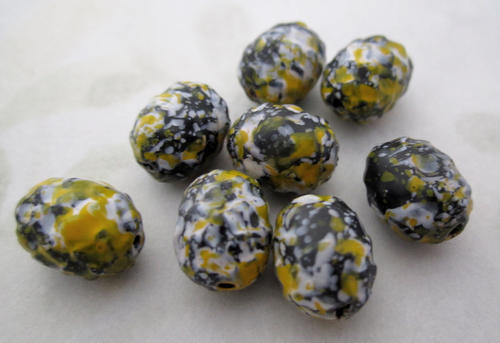24 pcs. yellow and black mottled plastic oval beads 10x8mm - f5027