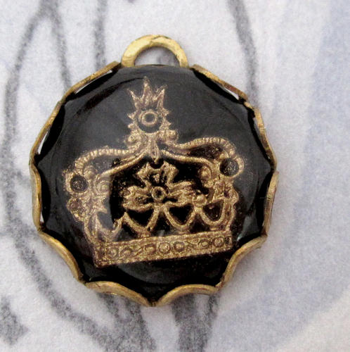 glass reverse painted intaglio black and gold crown charm 13mm - f5078