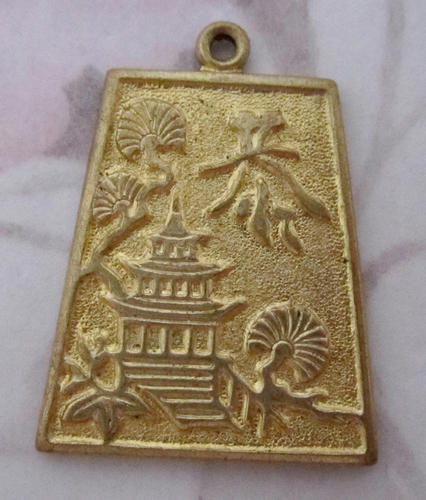 3 pcs. Raw brass casted pagoda pendant charms 22x19mm - f5200