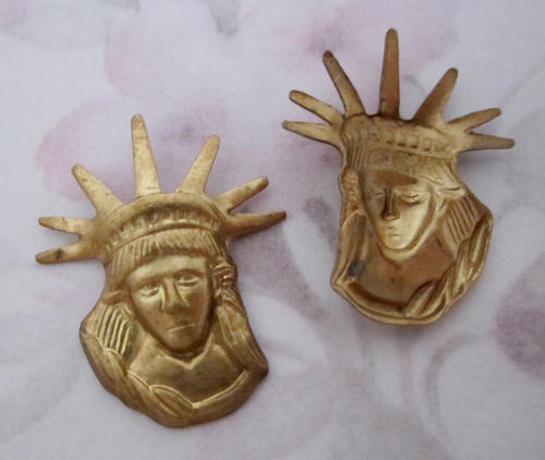 6 pcs. raw brass statue of liberty bust stampings 26x22mm - f5210
