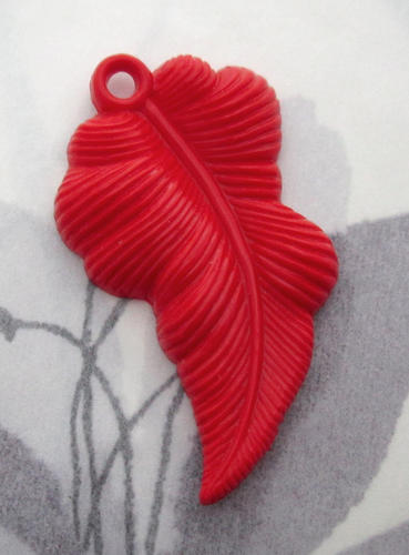 celluloid red leaf charm 41x25mm - f5528