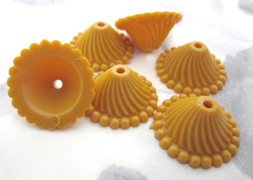 6 pcs. ochre yellow plastic ridged beads bead caps 18x9mm 13mm opening - f5623