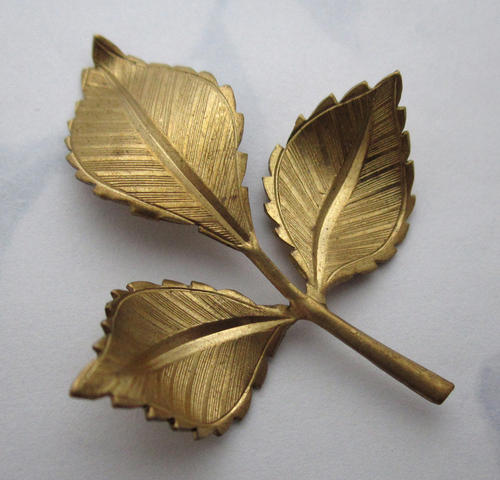 raw brass triple leaf branch stamping 48x36mm - f5726