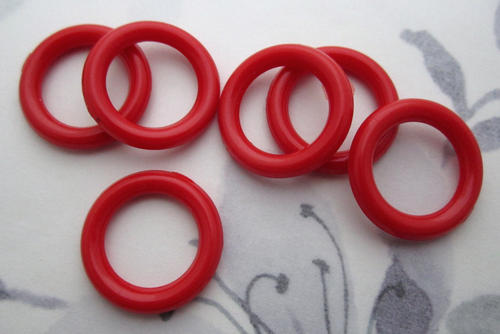 6 pcs. red plastic circles rings hoops 19mm - f5737
