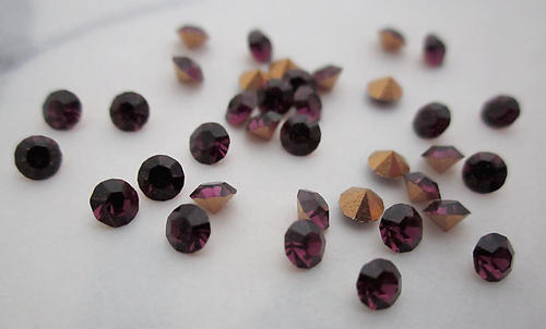 36 pcs. MCC machine cut crystal amethyst purple foiled rhinestones ss11 - f6170