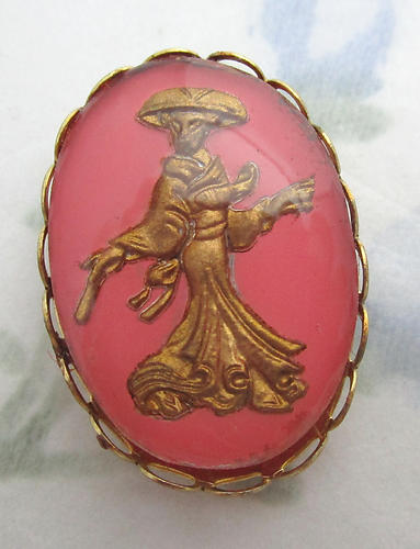 glass reverse painted intaglio geisha girl cabochon in dual gold tone plated setting 25x18mm - f6370