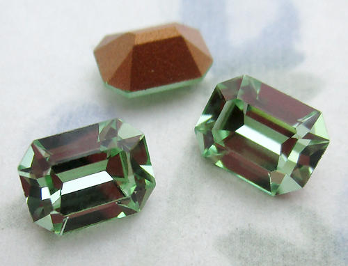 9 pcs. Swarovski art 4600 MCC machine cut crystal chrysolite green foiled octagon rhinestones 8x6mm - f6476