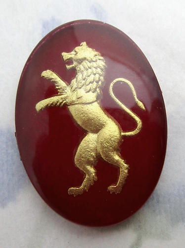 glass reverse painted intaglio burgundy red w gold rampant lion cabochon 25x18mm - f6543