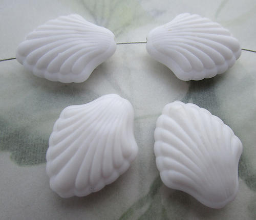 12 pcs. plastic white scalloped seashell beads 23x18mm - f6697