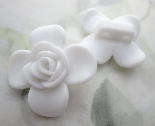 6 pcs. white plastic 2 hole flower spacer beads 30mm - f6761