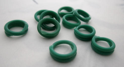 24 pcs. green celluloid coil links jump rings 10mm - r313