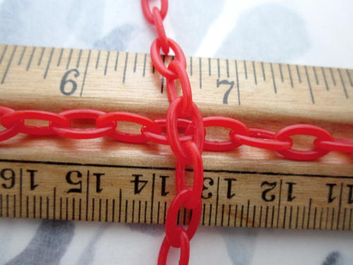 1 foot red plastic link chain w 6x12mm links - r316