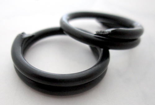 2 pcs. black celluloid coil links jump rings 21mm - r323