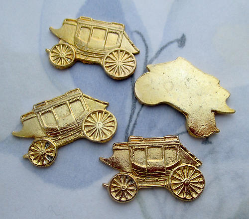 12 pcs. gold tone plated stagecoach cabochons 21x17mm - s1002