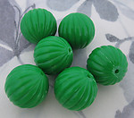 18 pcs. vintage fluted ridged green plastic beads 18mm - f2946