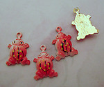 40 pcs. red cold enamel aluminum frog charms 15x11mm - f2606