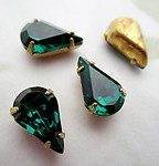 12 pcs. glass emerald green pear rhinestones in raw brass pronged settings 10x6mm - d518