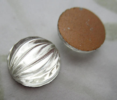 6 pcs. glass clear foiled ridged dome cabochons 11mm - d512